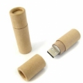 Pendrive de madera con tapa en forma cilíndrica